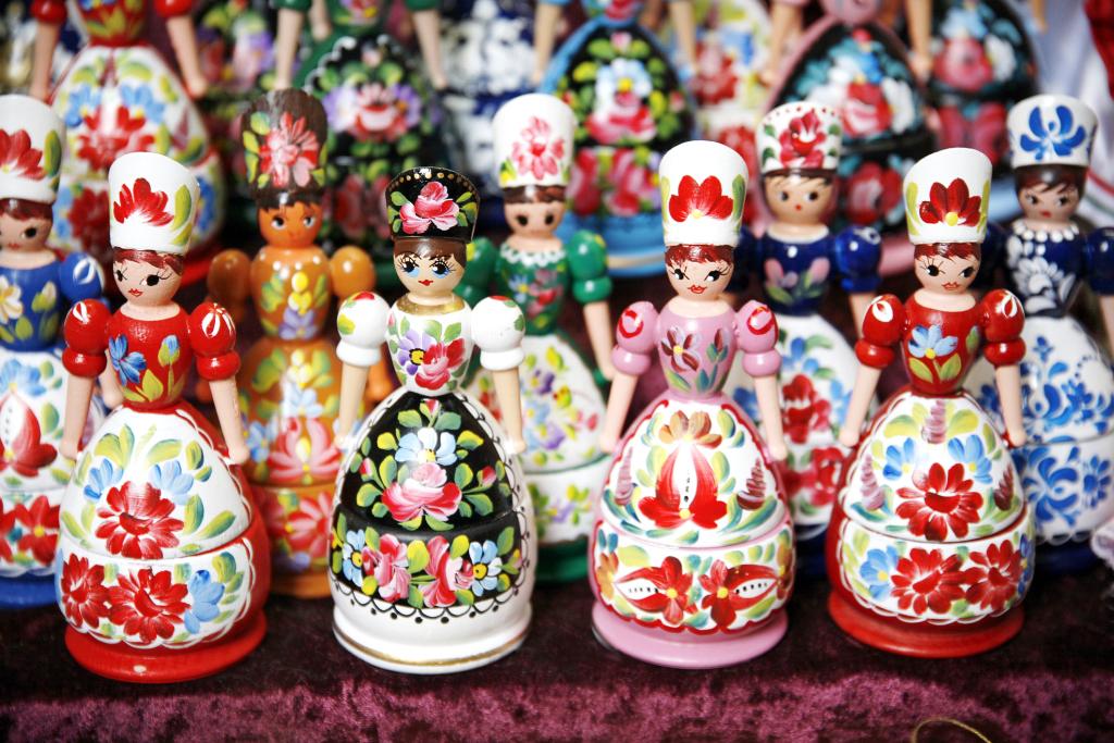 ungarische Puppen