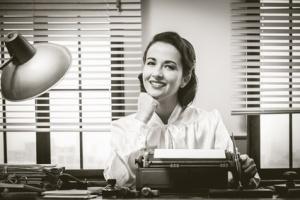 Retrophoto - Frau an der Schreibmaschine, @ stokkete - fotolia