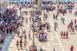 Venedigt voller Touristen