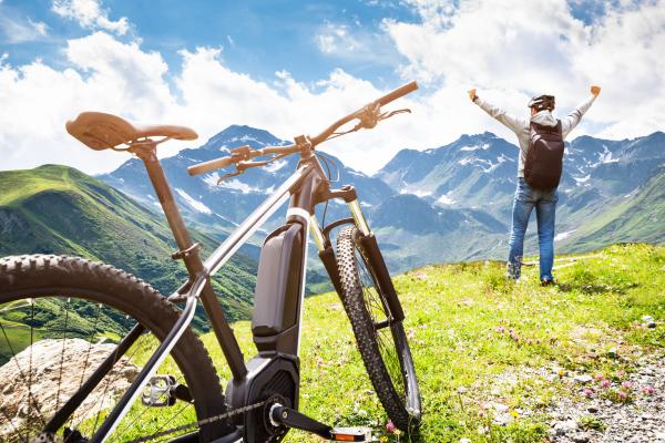 Mit einem E-Mountainbike in den Bergen