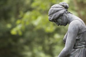 Statue in Trauer