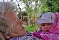 Tina Höffler, Oma mit Urenkelchen