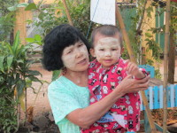 Frau mit Kind in Burma